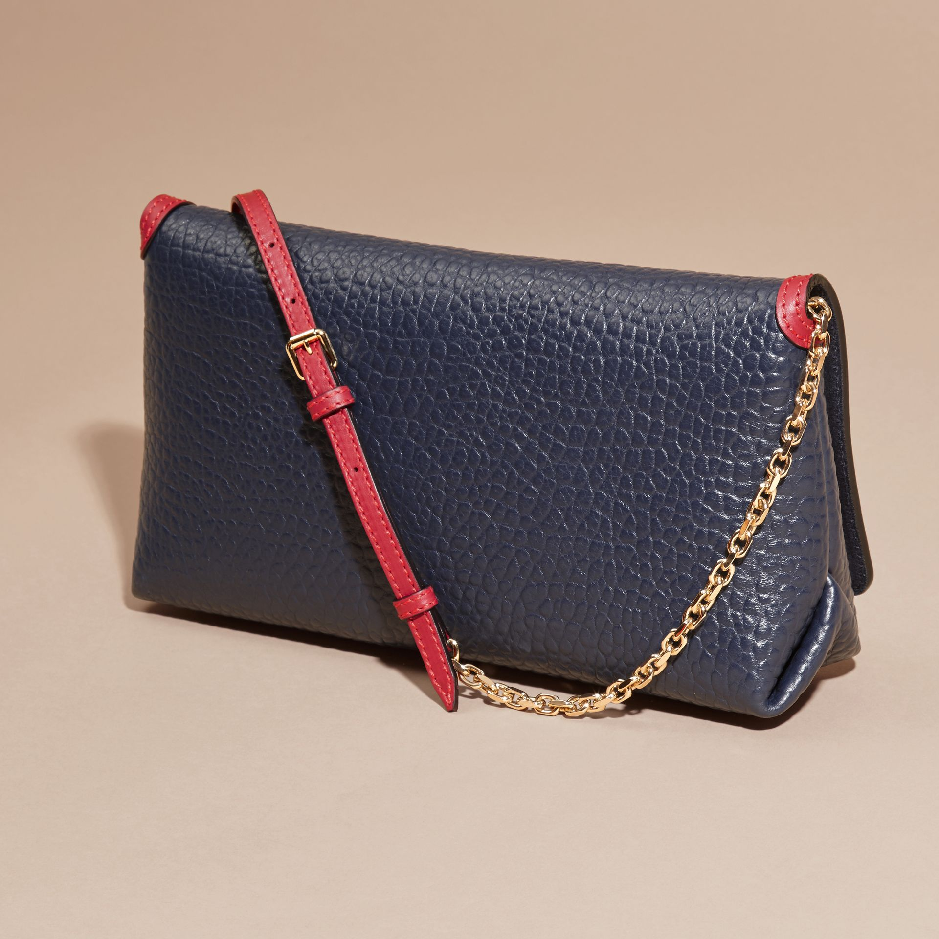 Blue carbon/parade red Medium Contrast Border Signature Grain Leather Clutch Bag - gallery image 3