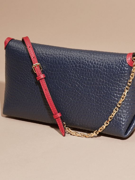 Blue carbon/parade red Medium Contrast Border Signature Grain Leather Clutch Bag - cell image 2