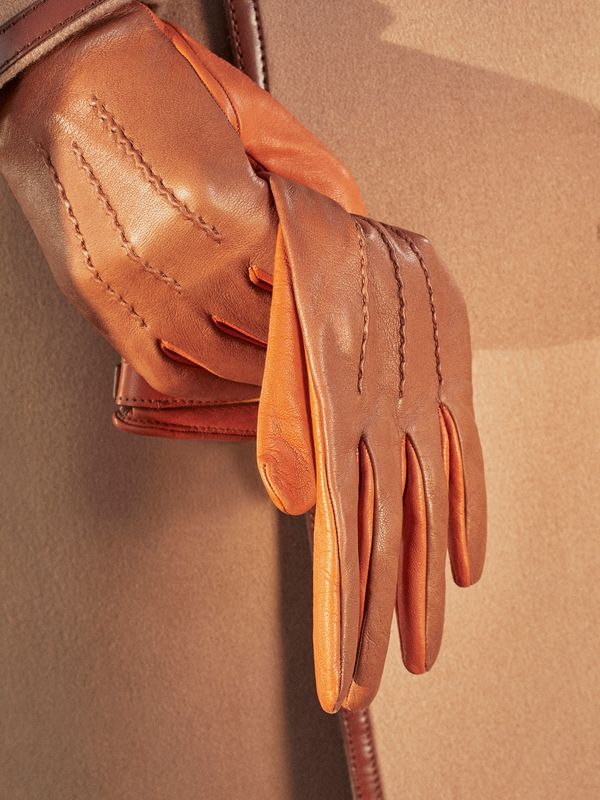 Silk-lined Two-tone Lambskin Gloves in Brown | Burberry - cell image 3