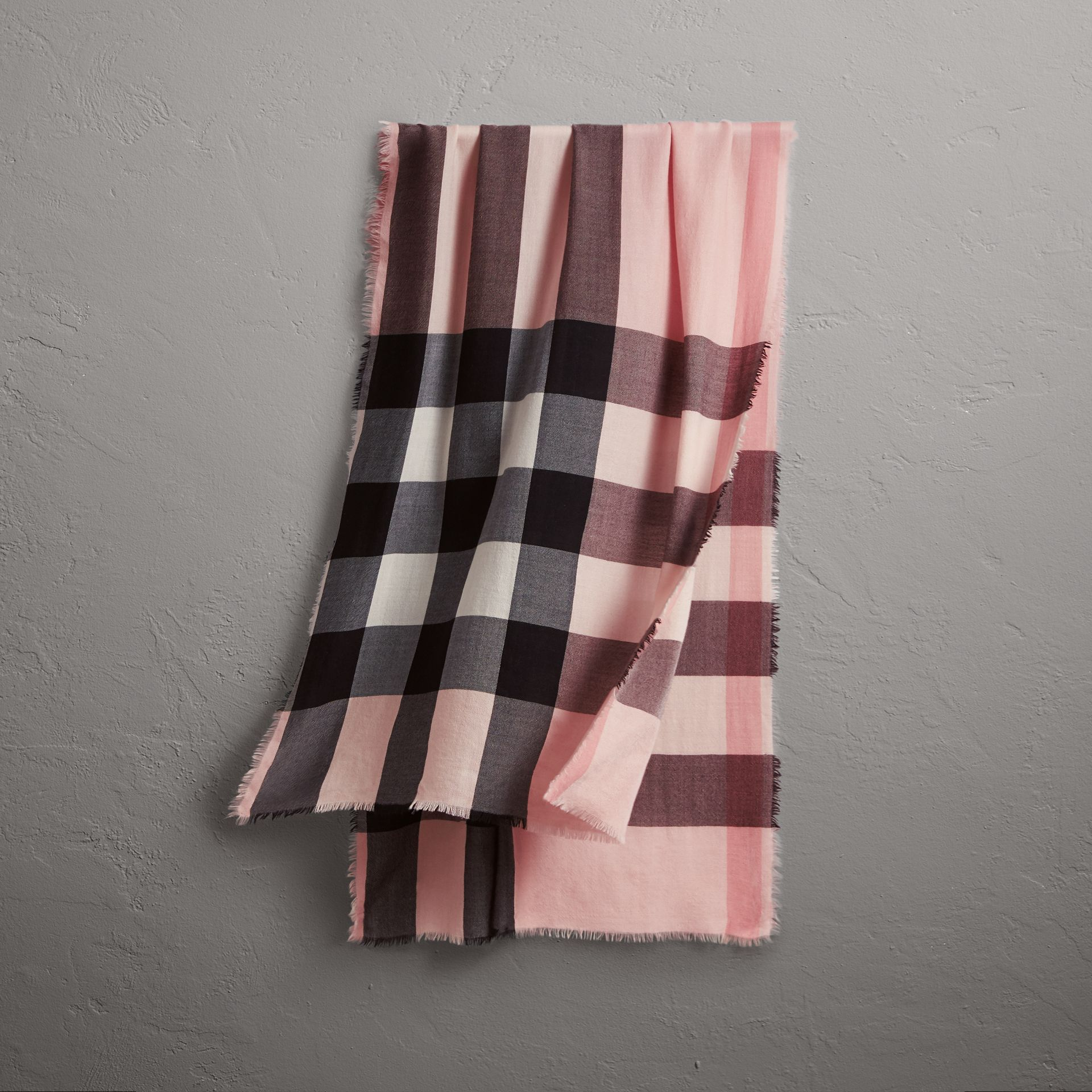 The Lightweight Check Cashmere Scarf in Ash Rose | Burberry - gallery image 0