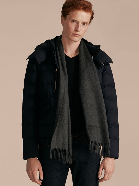 The Classic Cashmere Scarf in Charcoal | Burberry Singapore - cell image 3