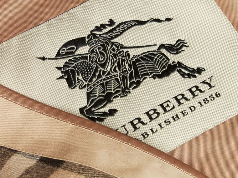 Warmer de lã e cashmere com estampa House Check - corte Westminster (Camel) - Homens | Burberry - cell image 1
