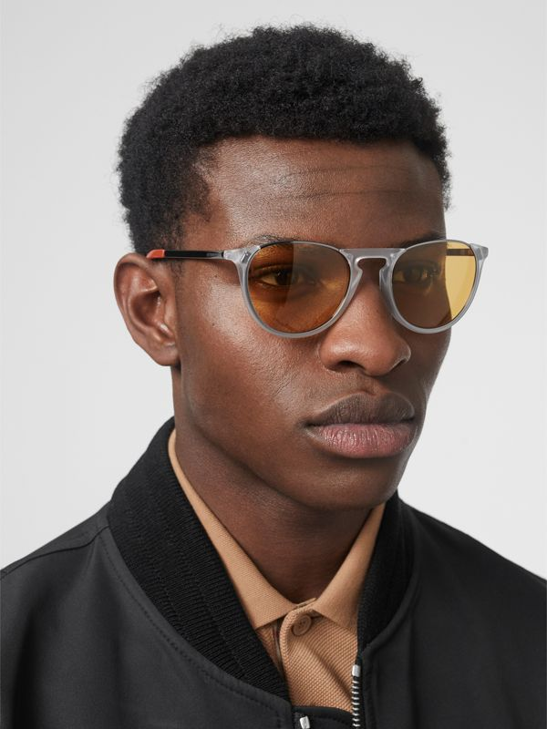 Keyhole Pilot Round Frame Sunglasses in Crystal - Men | Burberry - cell image 2