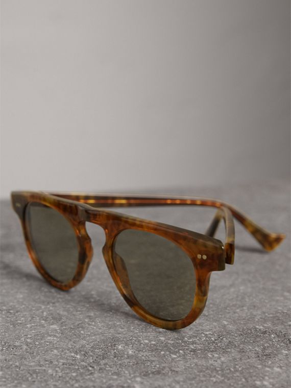 The Keyhole Round Frame Sunglasses in Vintage Tortoiseshell/brown | Burberry United States - cell image 2