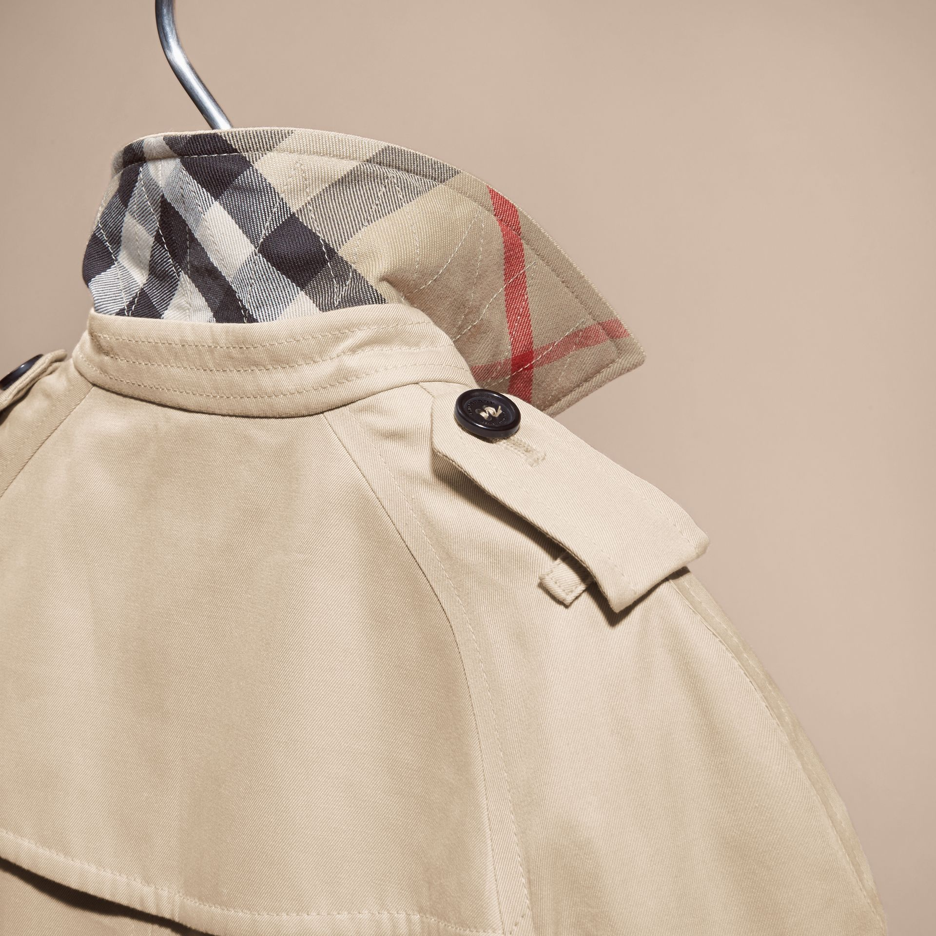 The Wiltshire – Heritage Trench Coat in Stone | Burberry Canada - gallery image 5