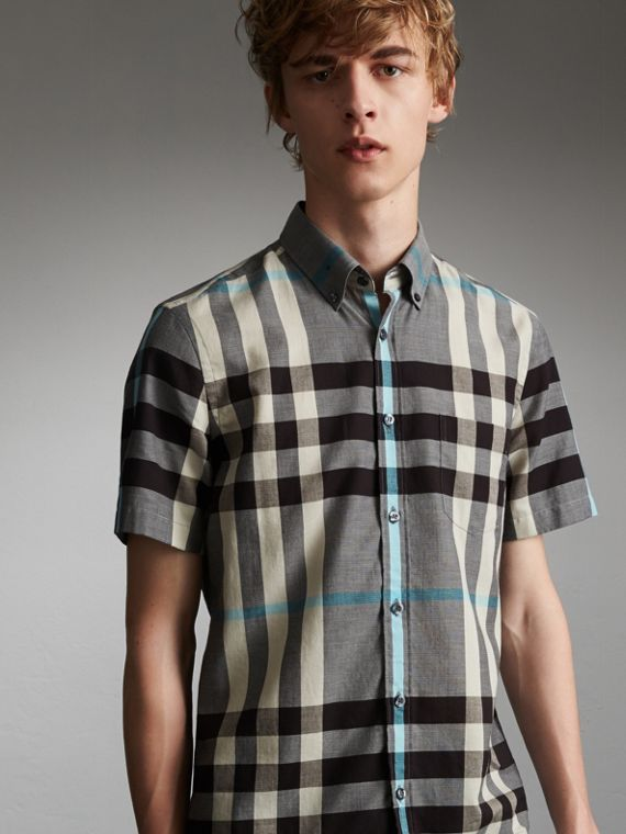 Button-down Collar Short-sleeve Check Cotton Shirt in Mist Grey