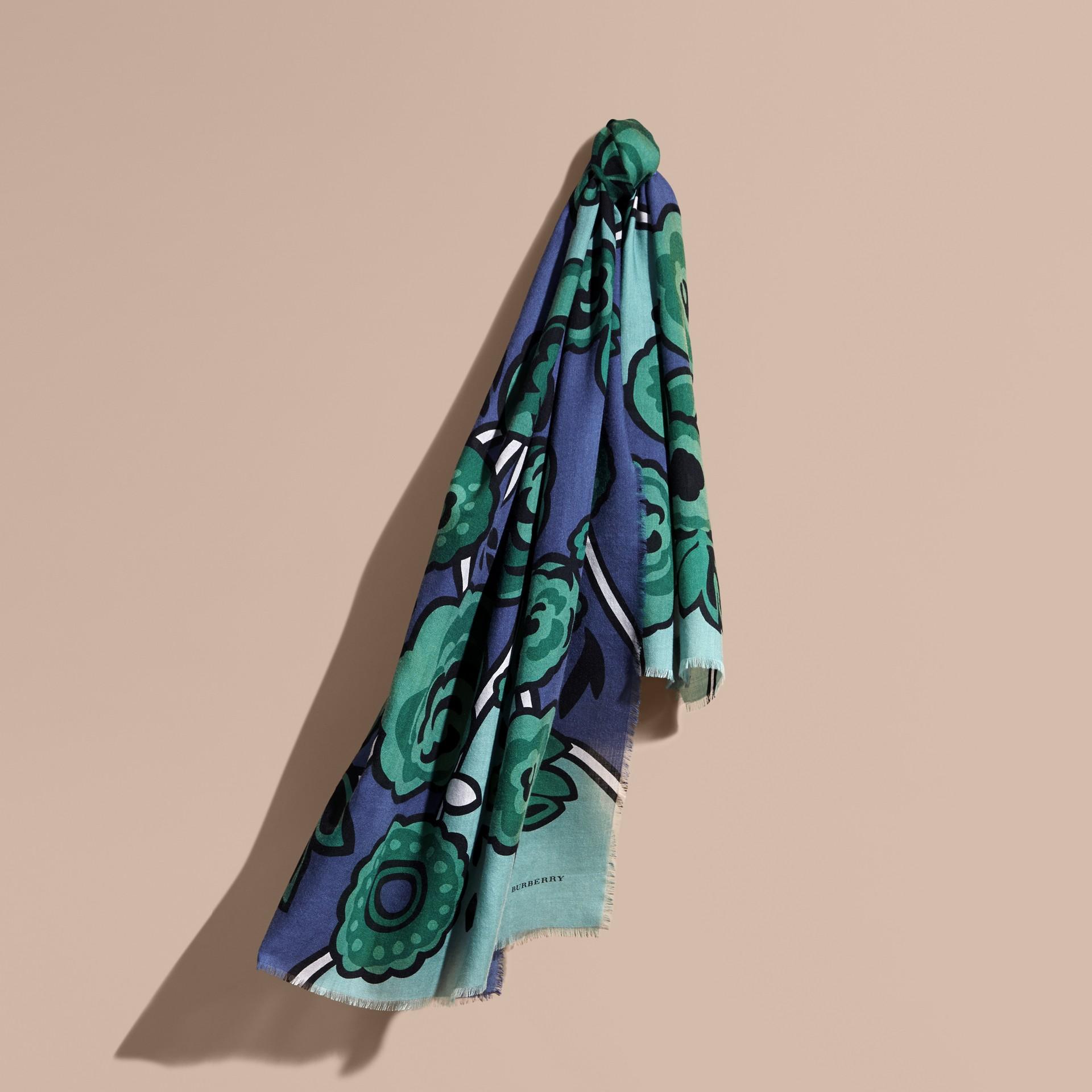 Blu acciaio intenso Sciarpa in cashmere con motivo floreale astratto Blu Acciaio Intenso - immagine della galleria 1