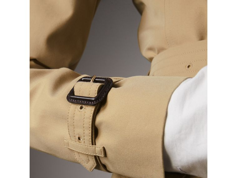 The Chelsea - Trench coat Heritage corto (Miele) - Donna | Burberry - cell image 4