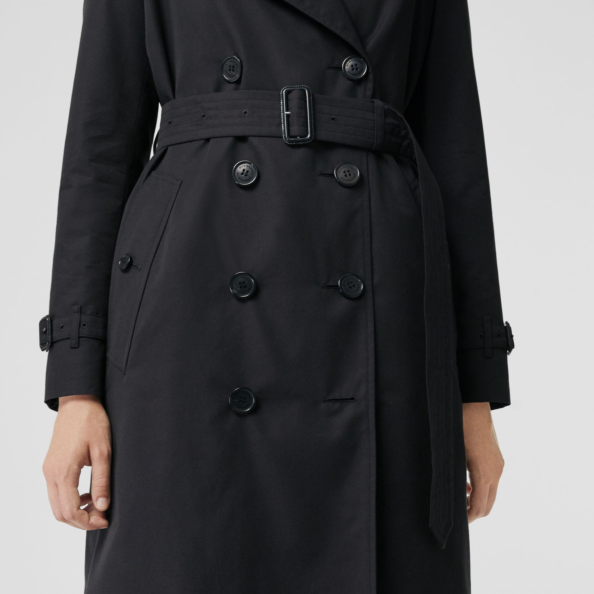 The Long Kensington Heritage Trench Coat in Midnight - Women | Burberry United States - gallery image 4
