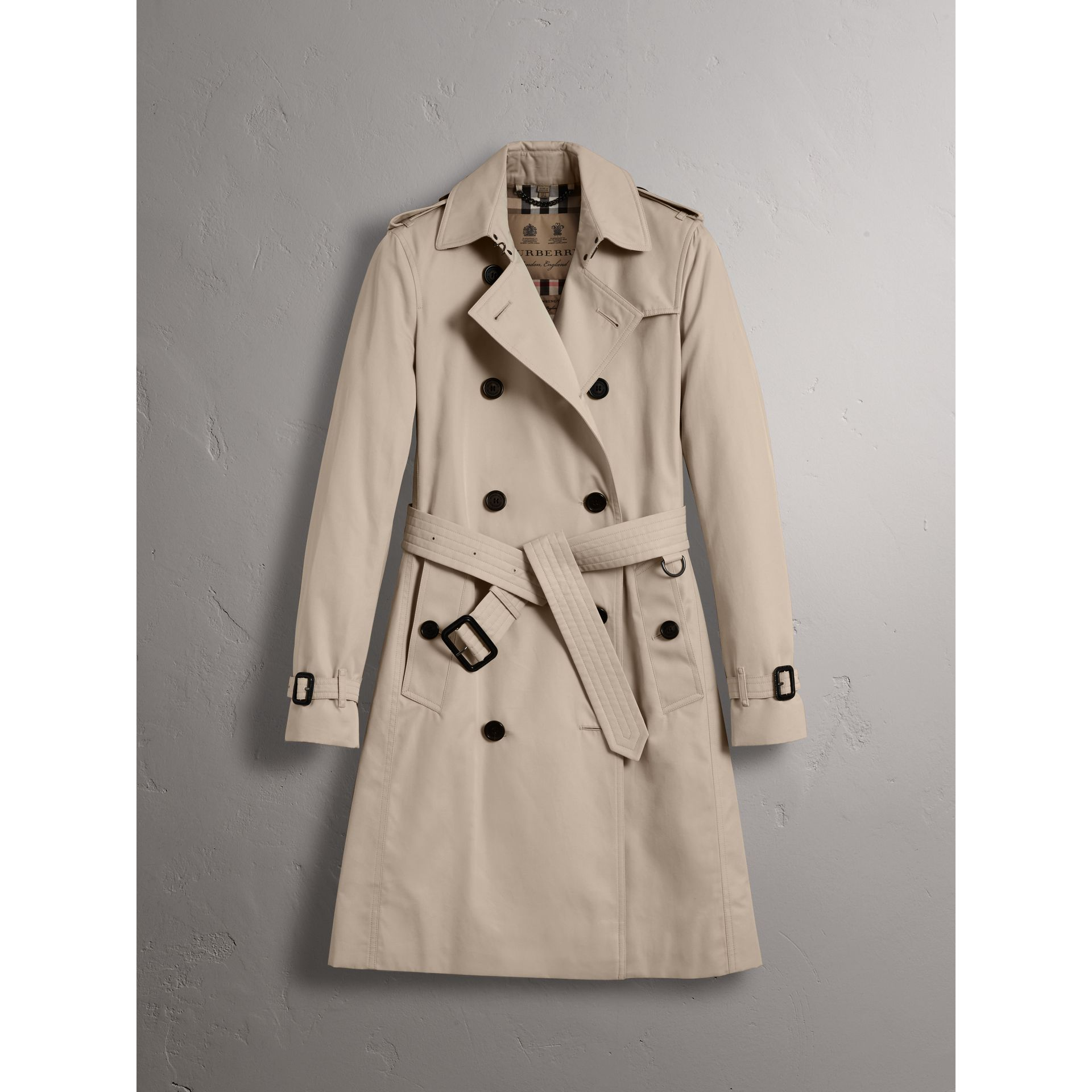 The Kensington – Long Trench Coat in Stone - Women | Burberry United States - gallery image 4
