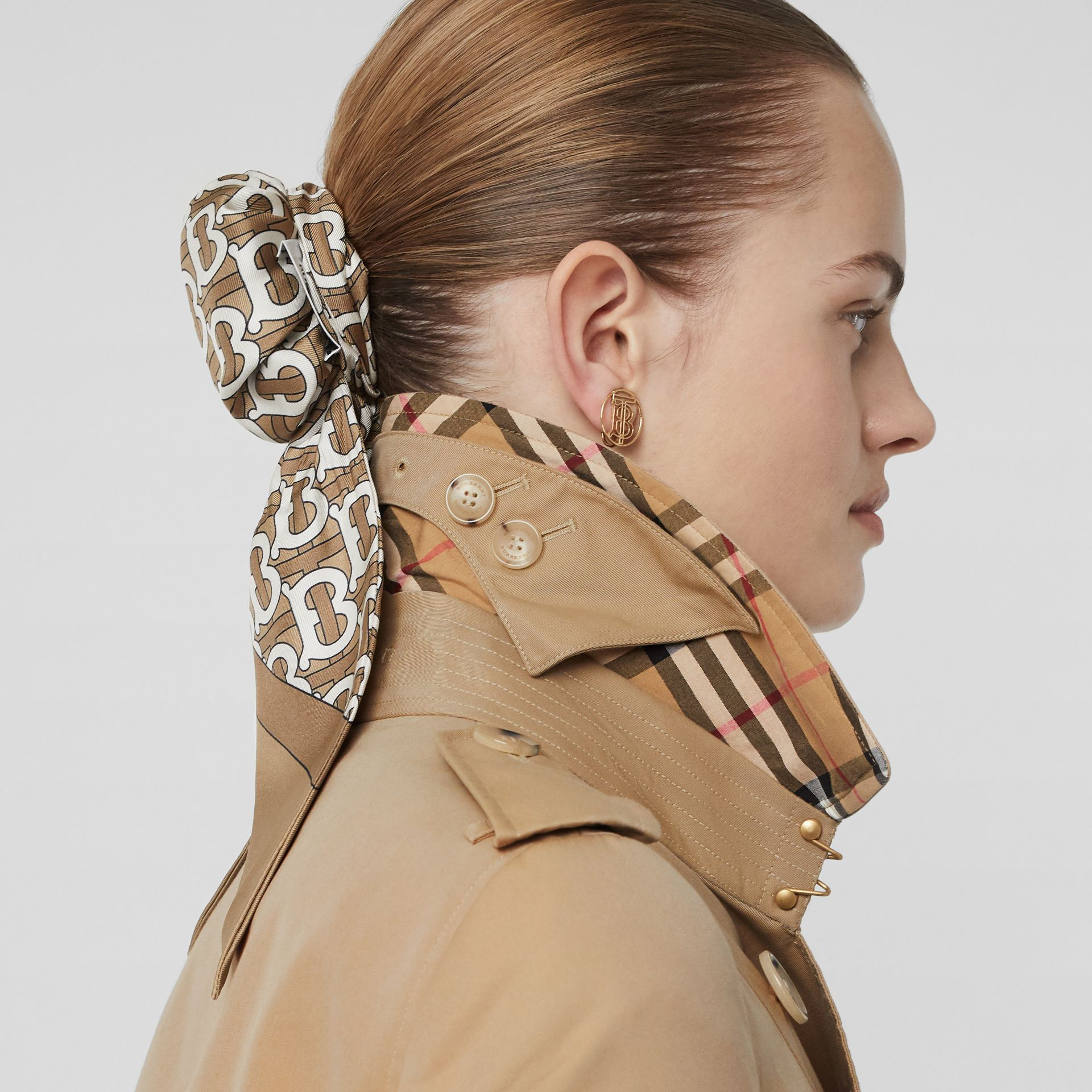 The Chelsea – Trench Heritage long (Miel) - Femme | Burberry - photo de la galerie 4