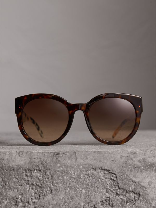 Round Frame Sunglasses in Tortoise Shell - Women | Burberry Hong Kong - cell image 3
