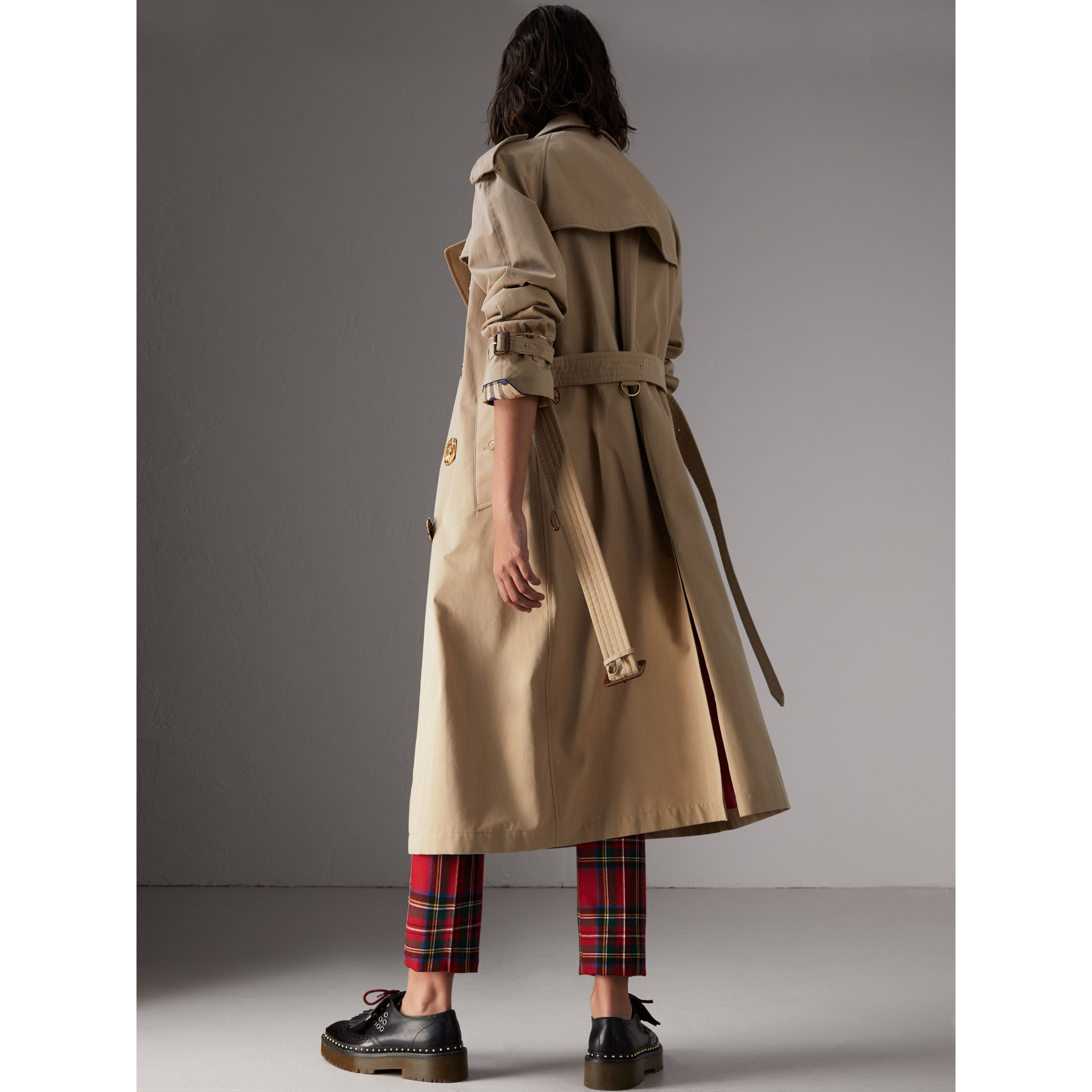 Bird Button Cotton Gabardine Trench Coat in Honey - Women | Burberry Australia - gallery image 2