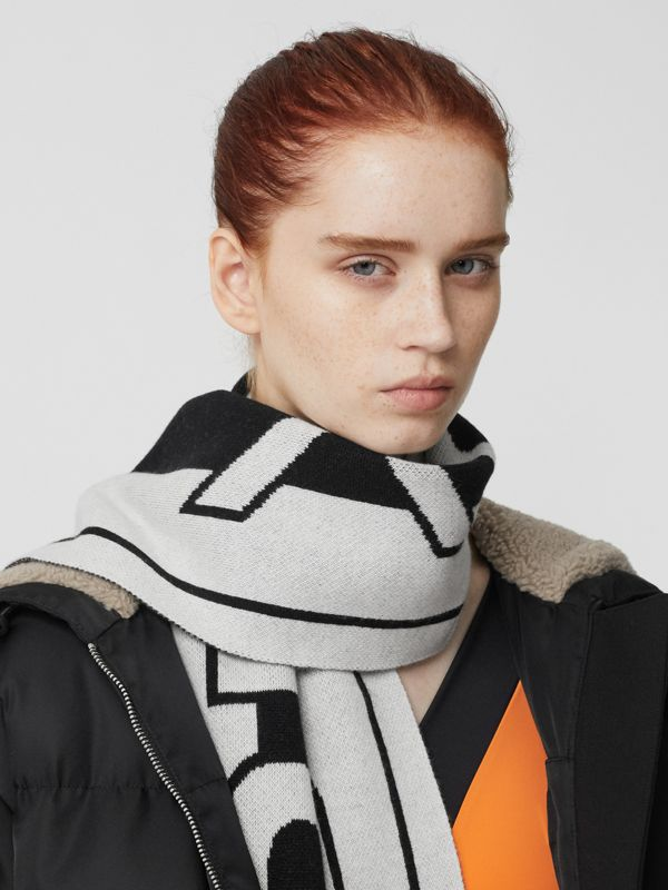 Logo Cashmere Jacquard Scarf in White | Burberry United Kingdom - cell image 2