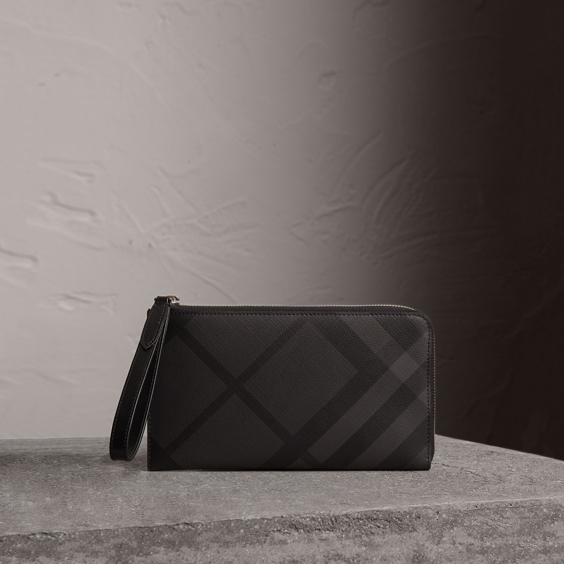 London Check Travel Wallet in Charcoal/black - Men | Burberry United Kingdom - gallery image 0