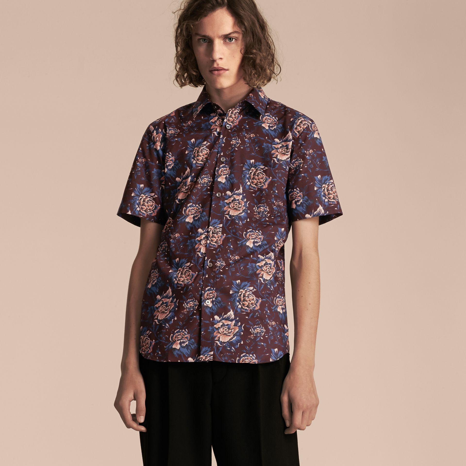 Deep claret Short-sleeved Peony Rose Print Cotton Shirt - gallery image 6