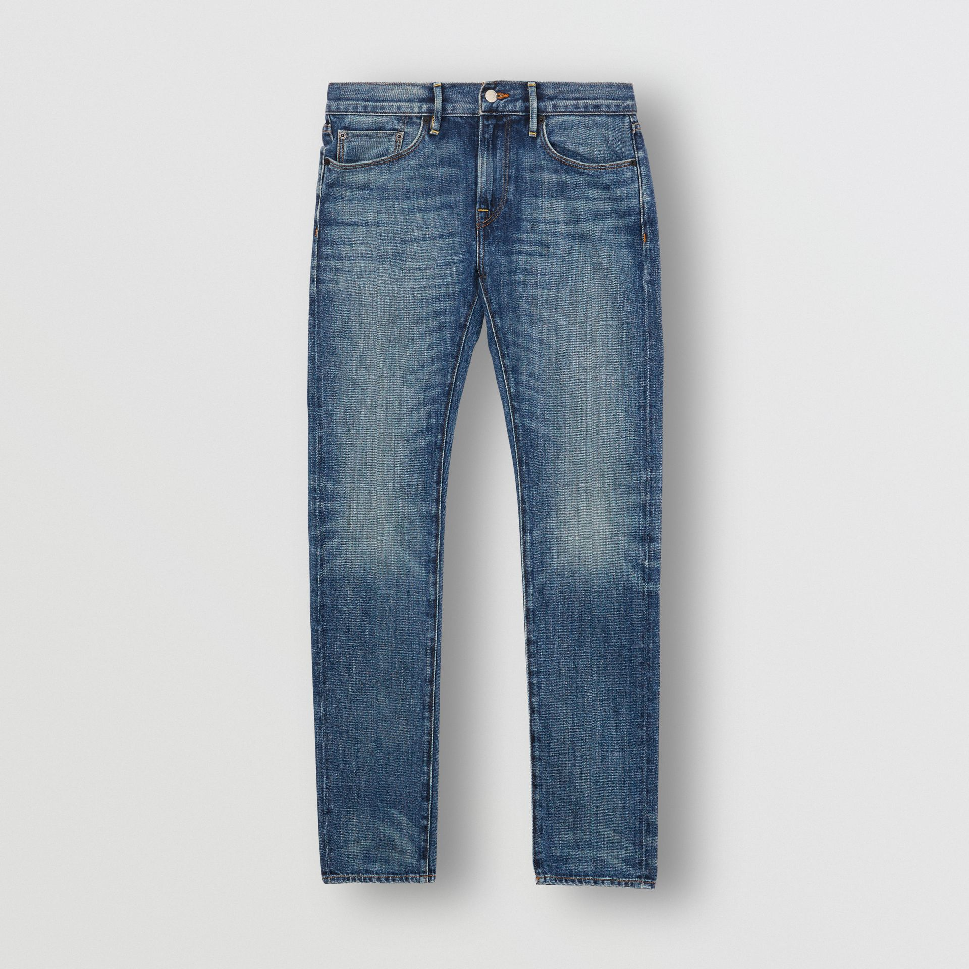 Jean de coupe slim en denim selvedge japonais délavé (Indigo Clair) - Homme | Burberry - photo de la galerie 3