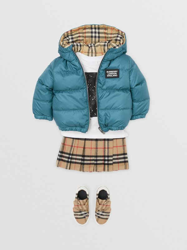 Reversible Vintage Check Down-filled Puffer Jacket in Dusty Blue - Children | Burberry - cell image 2
