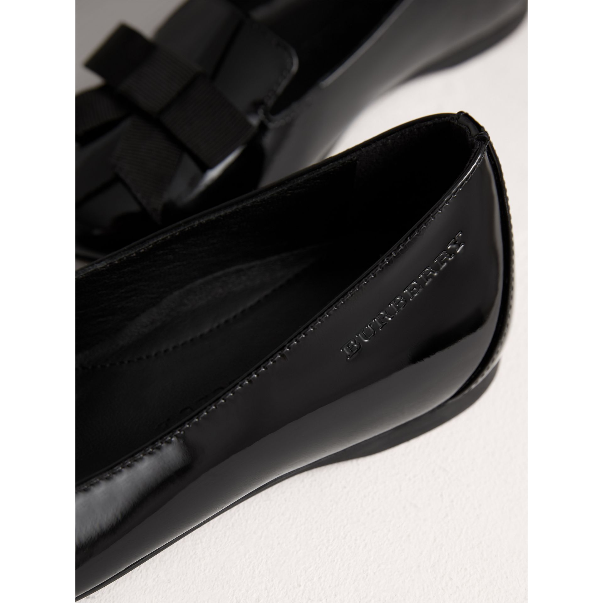 Bow Detail Patent Leather Ballerinas in Black - Girl | Burberry Canada - gallery image 1