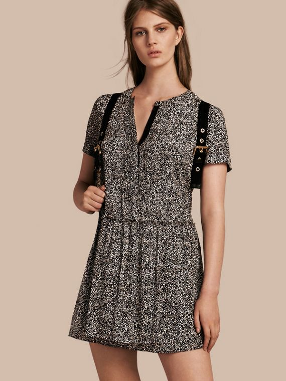 Floral Silk Georgette Shift Dress Black / White