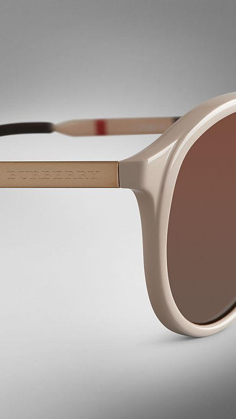 Honey Trench Collection Round Frame Sunglasses - Image 5