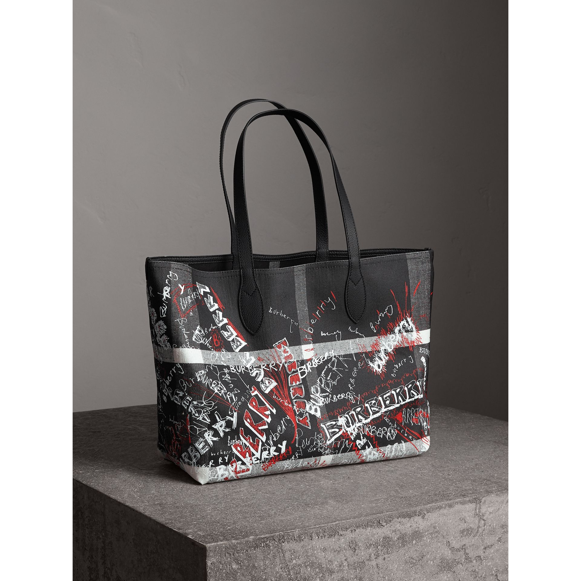 Sac tote Doodle moyen réversible (Noir) | Burberry - photo de la galerie 8