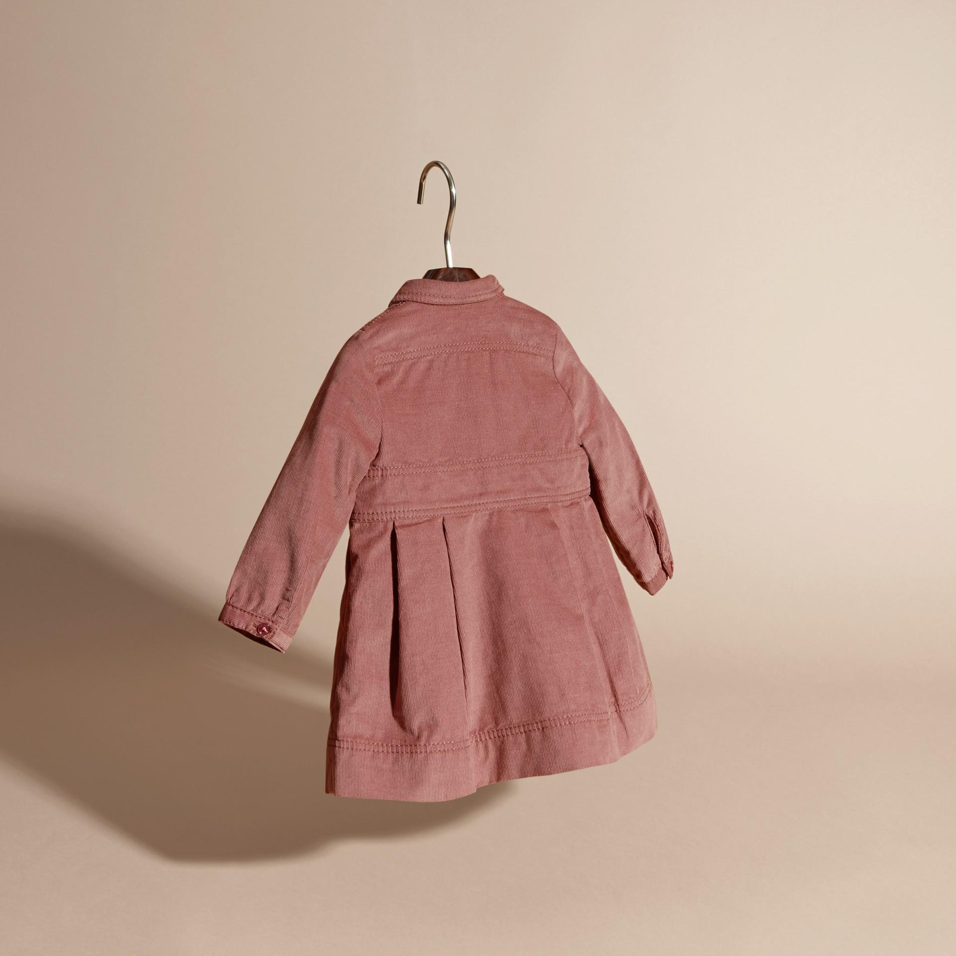 Rose cendré pâle Robe chemise en coton côtelé Rose Cendré Pâle - photo de la galerie 4