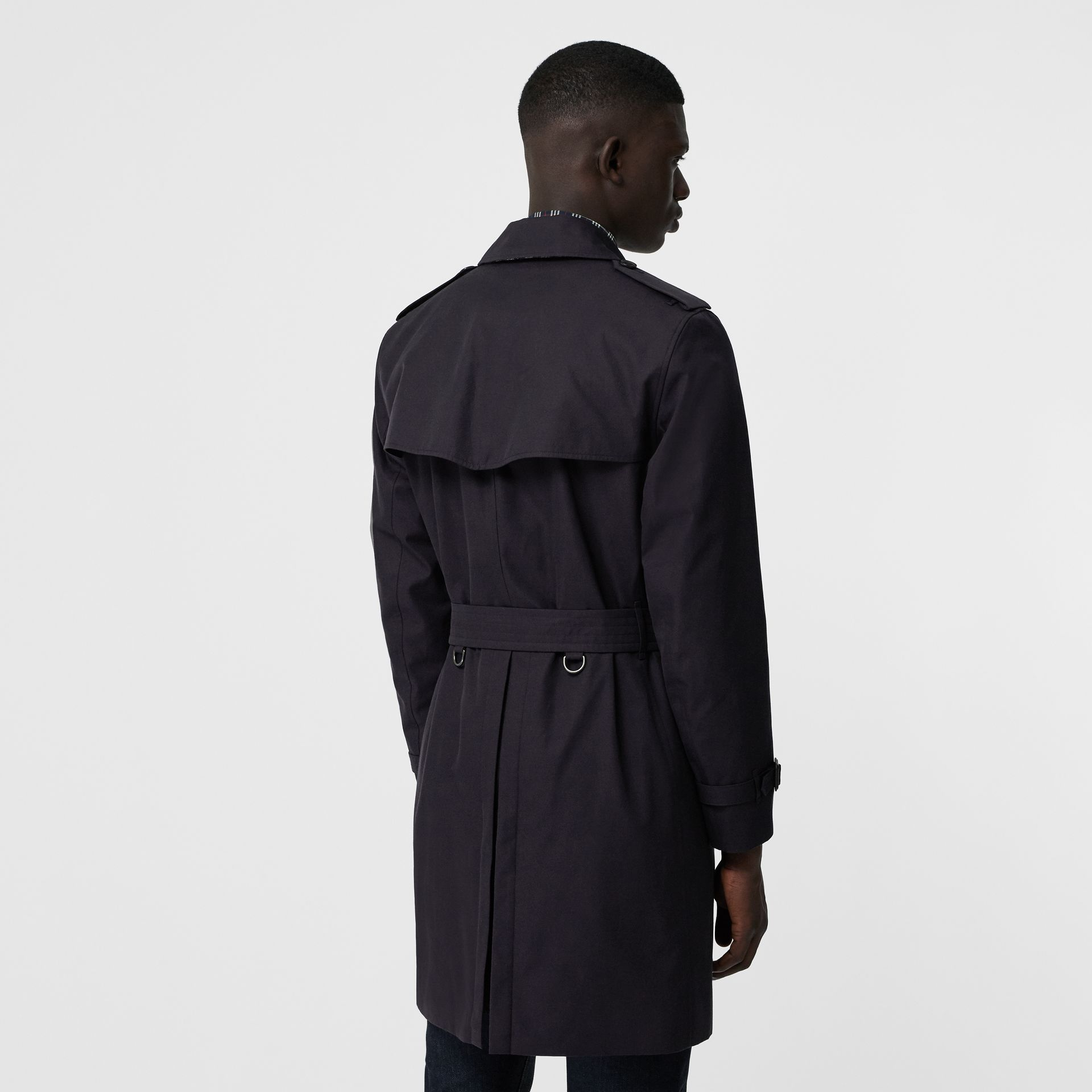 Archive Logo-lined Cotton Gabardine Trench Coat in Midnight - Men | Burberry Canada - gallery image 2