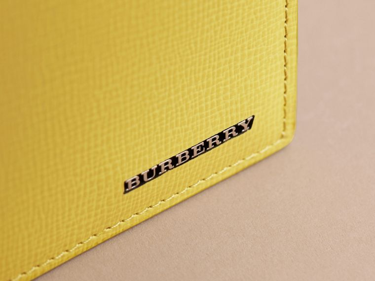 London Leather Folding Wallet in Bright Citrus | Burberry - cell image 4