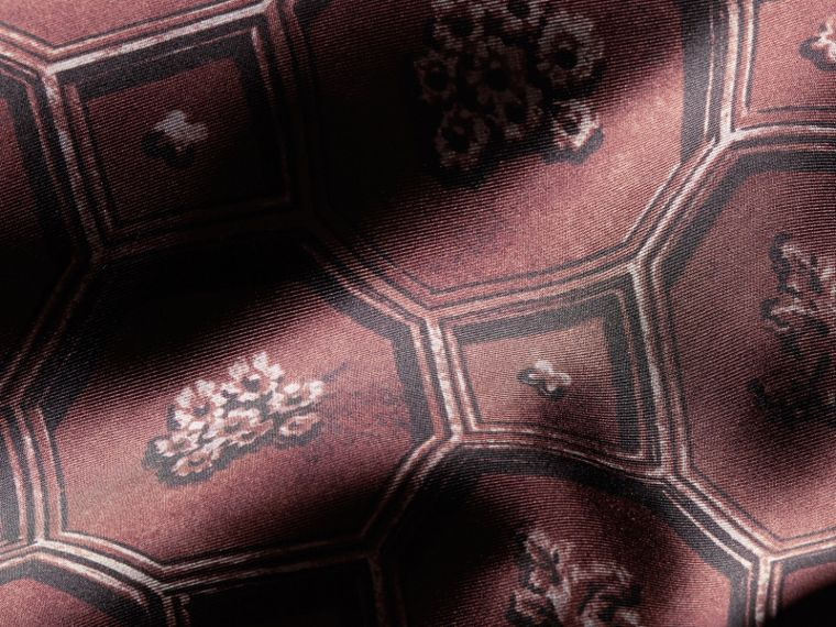 Deep claret Geometric Wallpaper Print Silk Twill Dressing Gown Coat - cell image 1