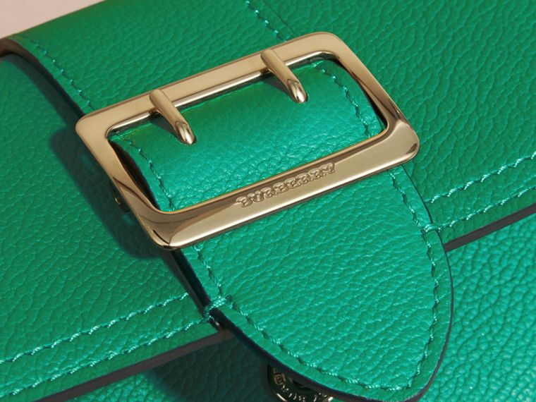Textured Leather Continental Wallet Bright Pigment Green - cell image 4