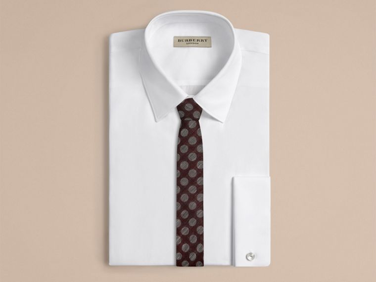 Borgogna bruno Cravatta dal taglio sottile in lino e seta jacquard a pois - cell image 1