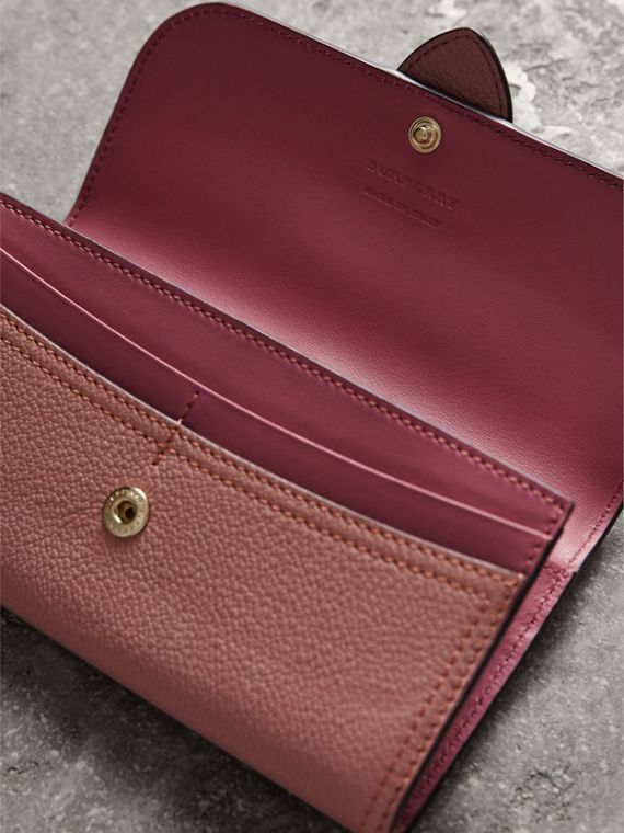 Textured Leather Continental Wallet in Dusty Pink - Women | Burberry United Kingdom - cell image 3