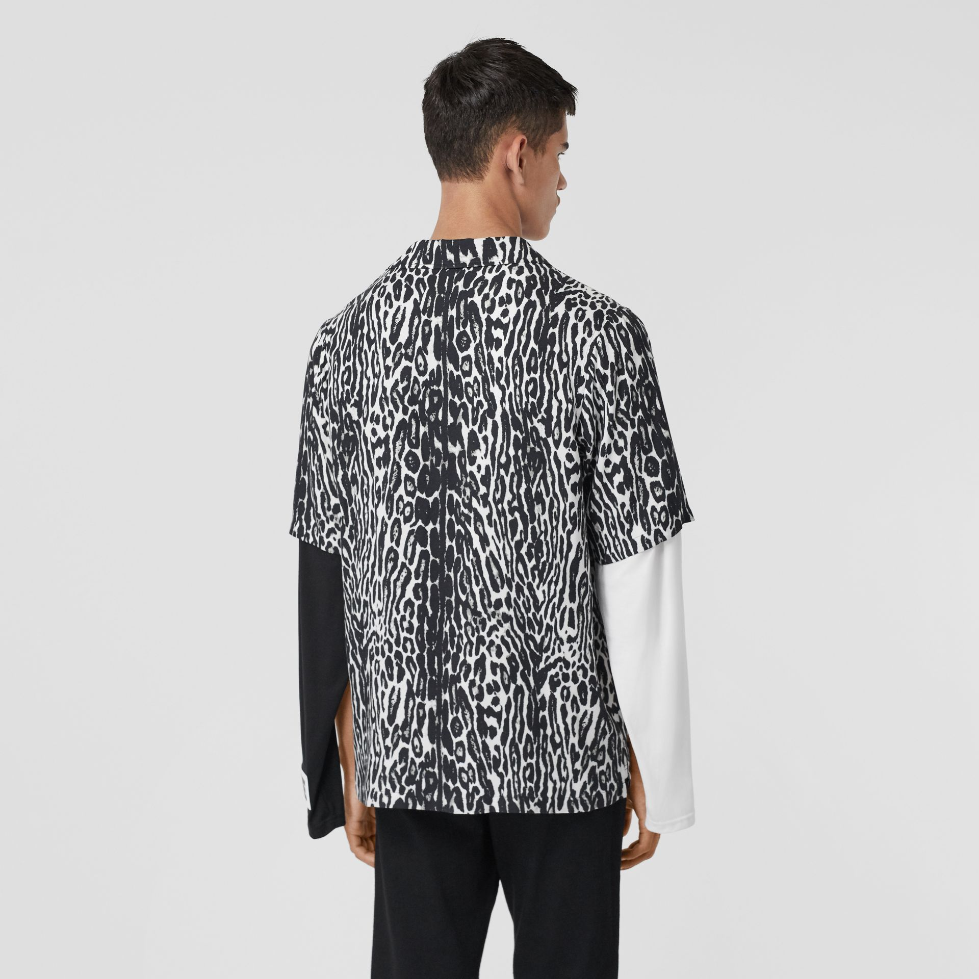 Short-sleeve Leopard Print Twill Shirt in Black - Men | Burberry - gallery image 2