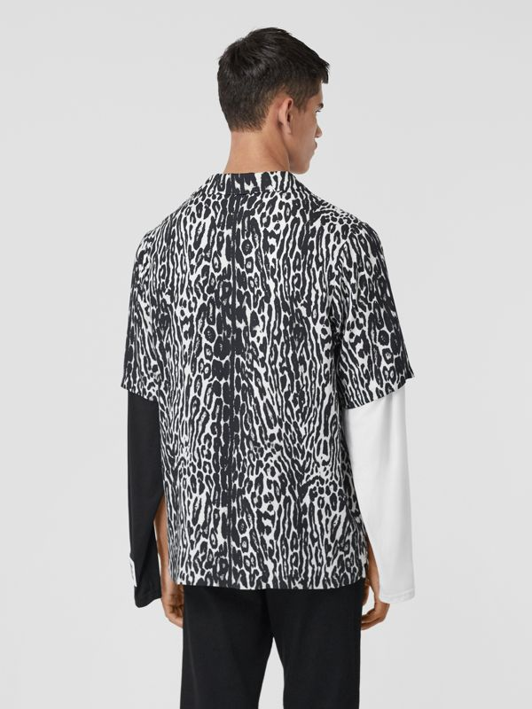 Short-sleeve Leopard Print Twill Shirt in Black - Men | Burberry United States - cell image 2
