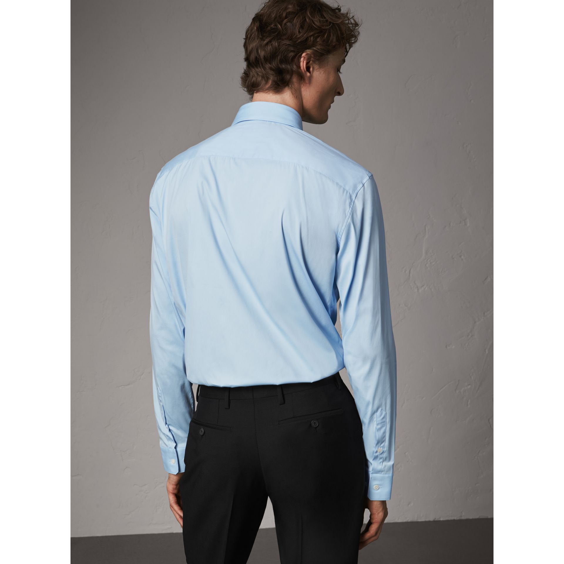 Modern Fit Stretch Cotton Shirt in City Blue - Men | Burberry Hong Kong - gallery image 3
