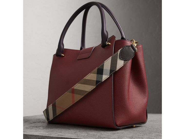 The Medium Buckle Tote in Two-tone Grainy Leather in Burgundy - Women | Burberry - cell image 4