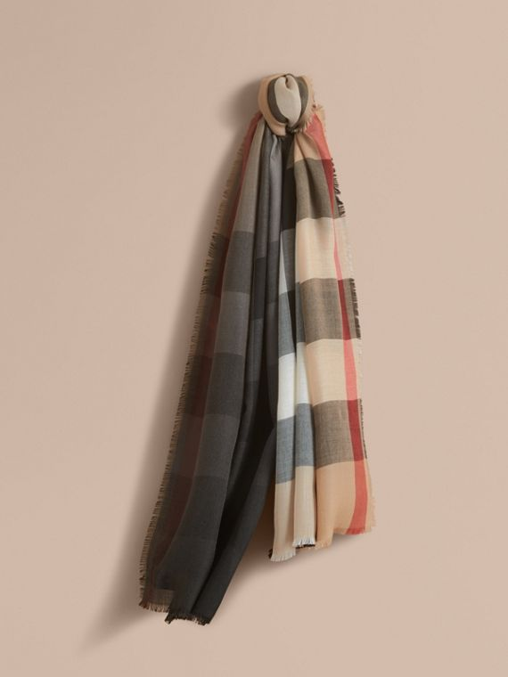 The Lightweight Cashmere Scarf in Ombré Check Camel/black