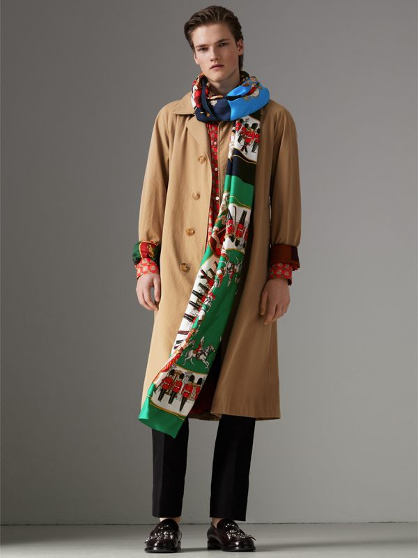 Archive Scarf Print Silk Oversized Scarf in Navy - Women | Burberry - cell image 2