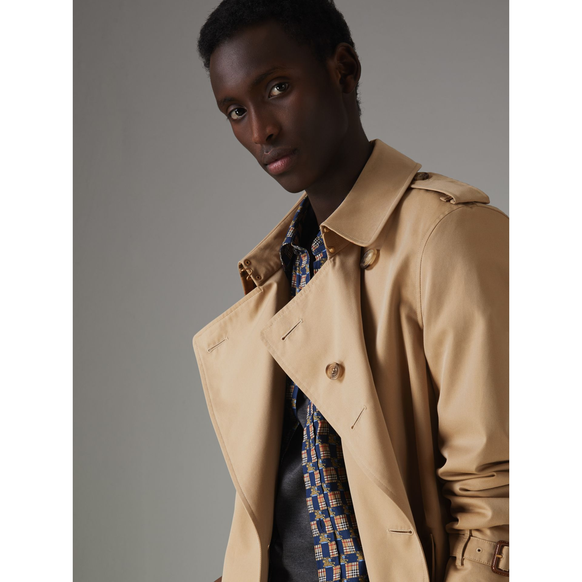 The Chelsea Heritage Trench Coat in Honey - Men | Burberry United Kingdom - gallery image 5
