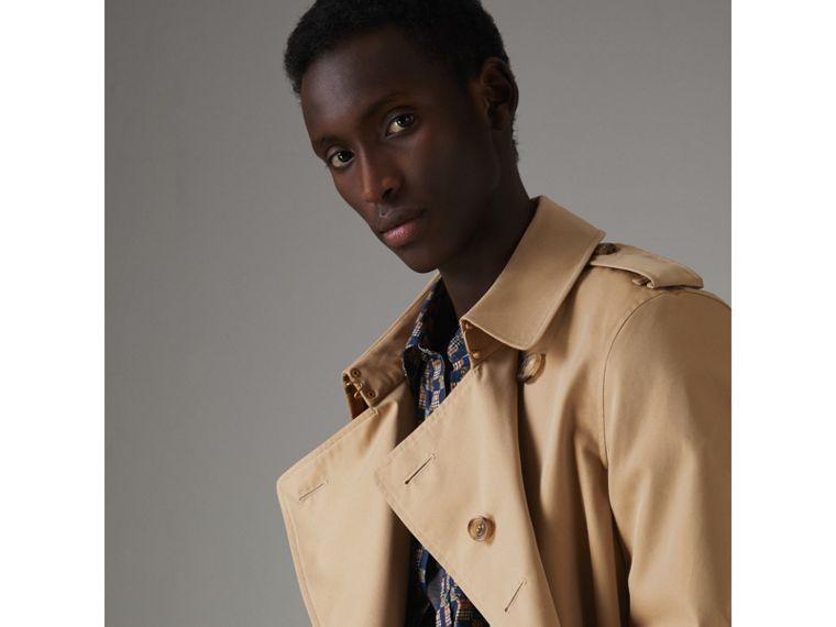 The Chelsea Heritage Trench Coat in Honey - Men | Burberry Hong Kong - cell image 4