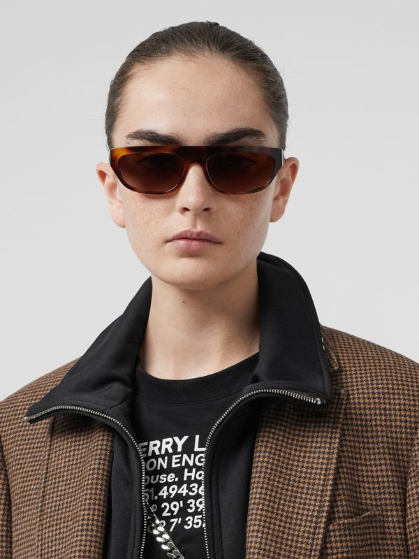 Monogram Motif Rectangular Frame Sunglasses in Amber Tortoiseshell | Burberry - cell image 2