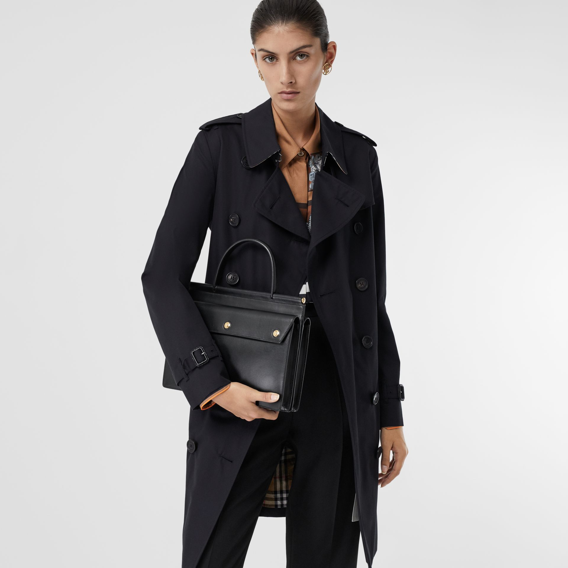 The Mid-length Kensington Heritage Trench Coat in Midnight - Women | Burberry United Kingdom - gallery image 10