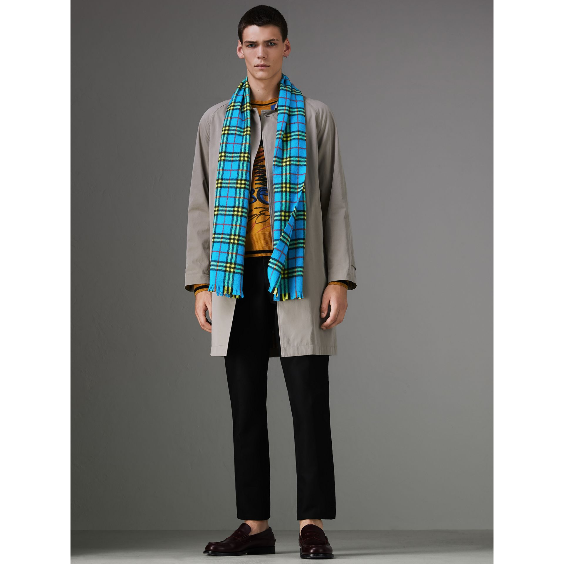 Check Cashmere Scarf in Bright Sky Blue | Burberry United Kingdom - gallery image 3