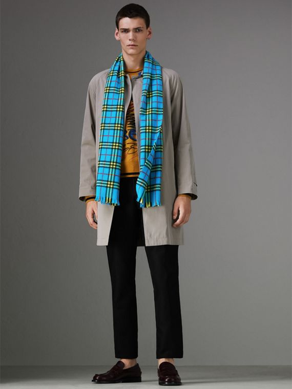 Check Cashmere Scarf in Bright Sky Blue | Burberry - cell image 2