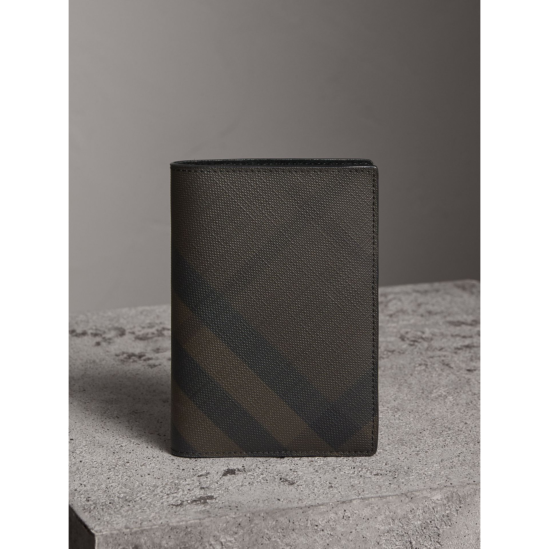 London Check and Leather Passport Holder in Chocolate/black - Men | Burberry - gallery image 5