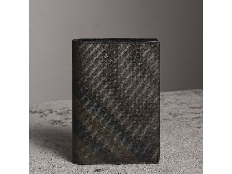 London Check and Leather Passport Holder in Chocolate/black - Men | Burberry - cell image 4