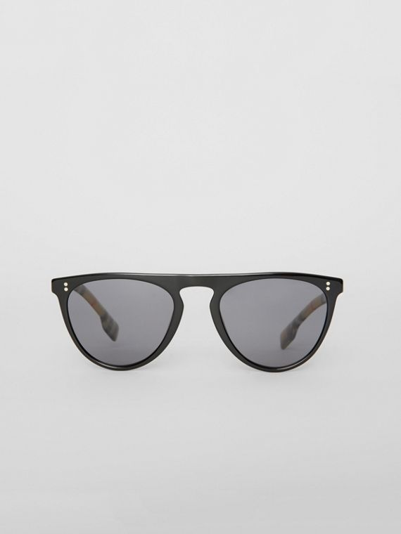 Vintage Check Detail Keyhole D-shaped Sunglasses in Black/beige