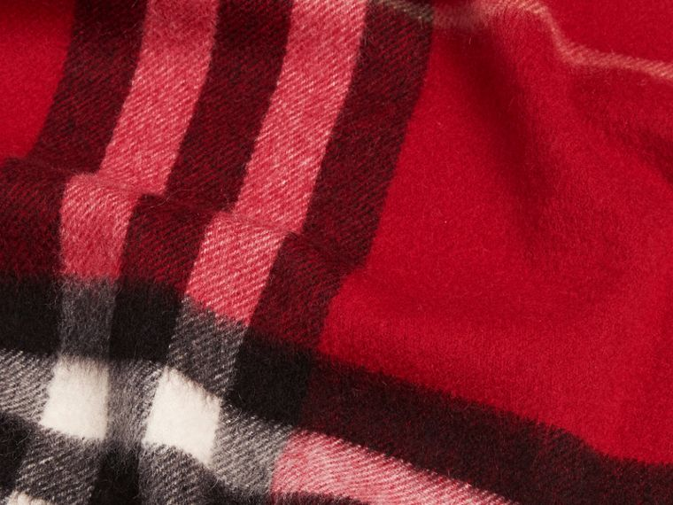 The Classic Check Cashmere Scarf in Parade Red | Burberry - cell image 4