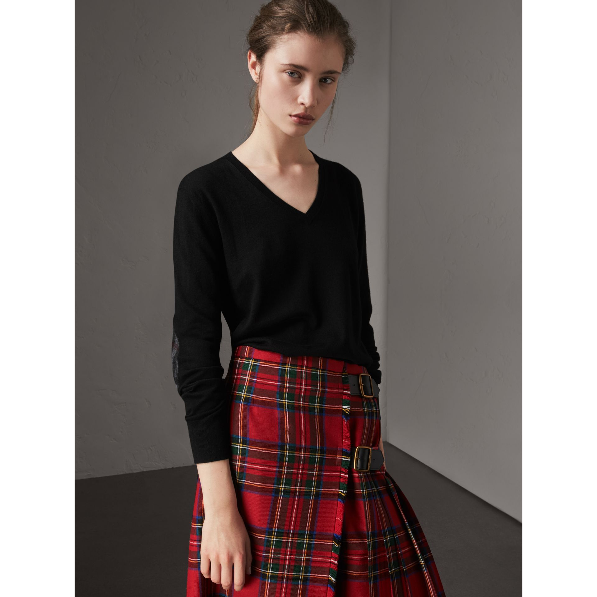 Check Detail Cashmere V-neck Sweater in Black - Women | Burberry - gallery image 1
